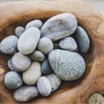 Kieselsteine in Schale
